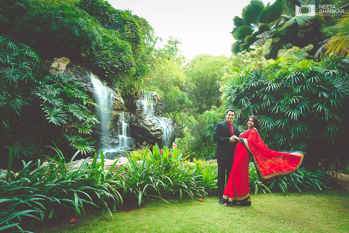 Leela-Palace-Bangalore-Couple-Pre-Wedding-Candid-Black-Red-Theme-Shoot