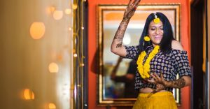 Best-And-Top-Wedding-Photographer-Destination-Wedding-Taj-West-End-Bangalore-Neeta-Shankar-Photography-Mehendi-Nima